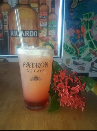 """Eleuthera: Drink of the day """" pink Pearl"""""""