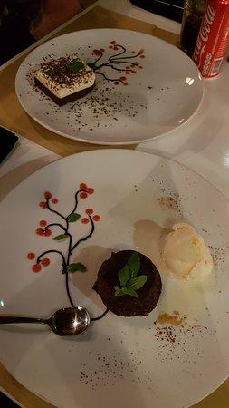PEPeNERO Cucina Italiana: Chocolate mousse and molten chocolate cake