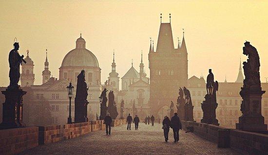WonderLand Tours by Alice - Prague Private Tours