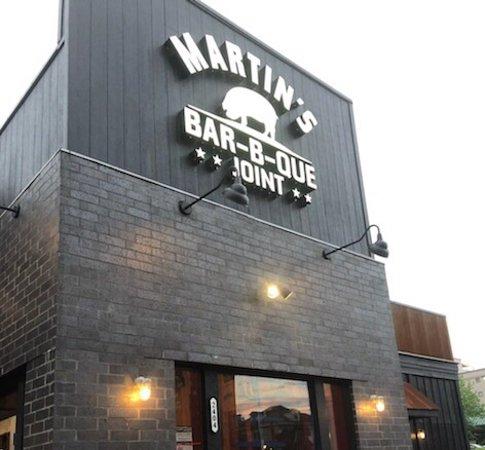 Martin's Bar-B-Que Joint, Nashville - 2400 Elliston Pl