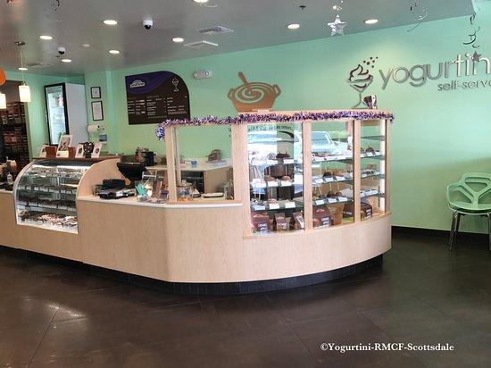 Yogurtini-RMCF-Scottsdale: Want some caramel apples ?