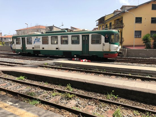 Circumnavigation by train