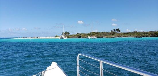 Traveler Catamaran: arriving at Icacos