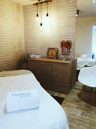 Votre cabine massage, soin du visage, beauté des mains & pieds, beauté du regard...