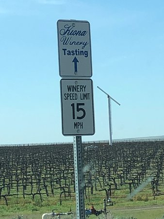 Kiona Vineyards and Winery: another sign