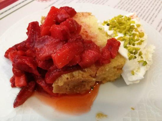Casa Oberrichter: Dessert alle fragole
