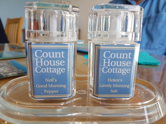 Count House Cottage B&B: Personalised pepper and salt