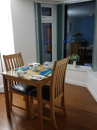 Count House Cottage B&B: Breakfast area