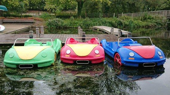 Leam Boat Centre: Car Pedalos