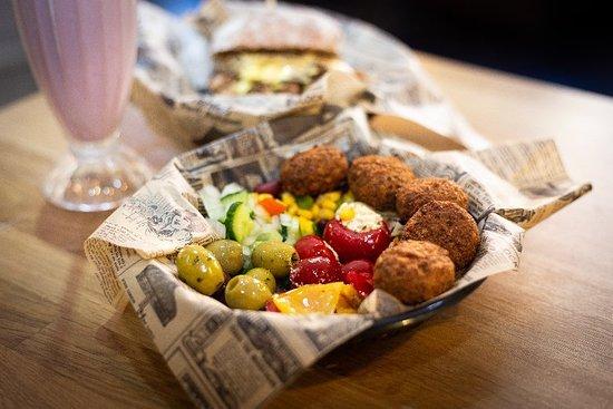 Street Food Station: Falafel