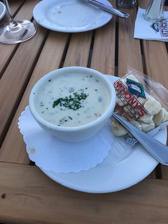 Anthony's HomePort Columbia Point: chowder