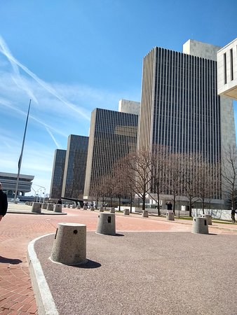 Governor Nelson A. Rockefeller Empire State Plaza: LES 4 TOURS
