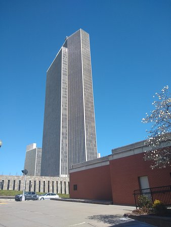 Governor Nelson A. Rockefeller Empire State Plaza: CENTRE VILLE ALBANY DEUX BELLES TOURS
