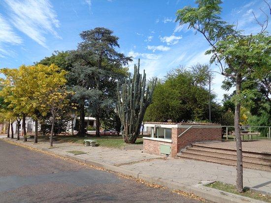 Фрай-Бентос, Уругвай: Vista de un sector de la Plaza San Martín