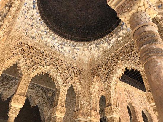 The Alhambra: Decorados con Clara de huevo !!