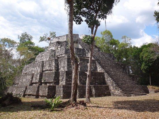 פלורס, גואטמלה: Fantastic Mayan ruins with great views