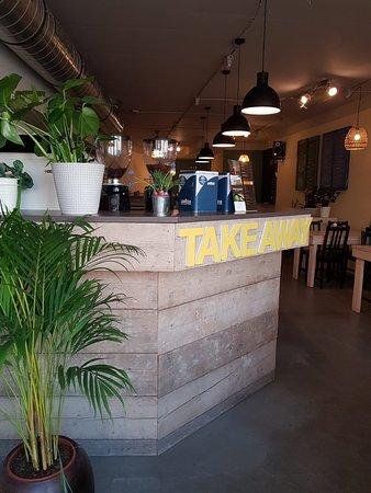 נורדווייג, הולנד: front of the coco saigon cafe