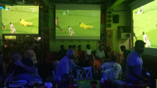 Candolim, India: 3CROWNZ