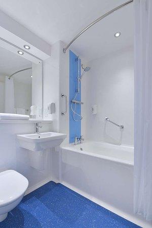 Travelodge Birmingham Central Moor Street: Bathroom