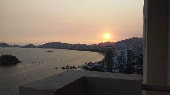 Romano Palace Hotel & Suites Acapulco: Lo único rescatable, la vista de la bahía