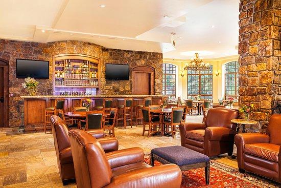 Bar Hound Lounge