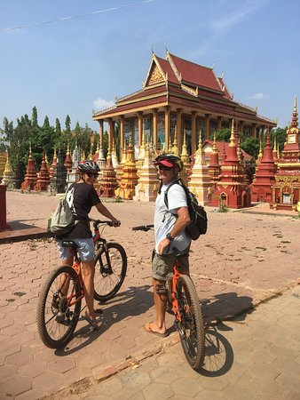 Home Cocktail Restaurant: Get on a bike and go for a country ride discover the temples and people of Siem Reap