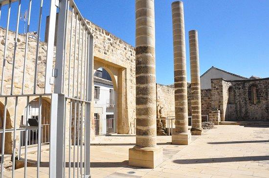 Ruinas románicas de San Juan Bautista