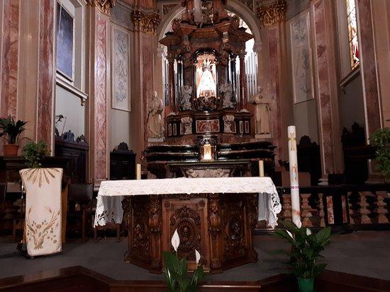 Chiesa SS. Trinita e Santa Maria al Monserrato