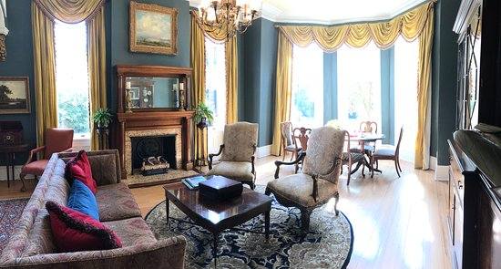 The Kehoe House - A Boutique Inn: Main lounge
