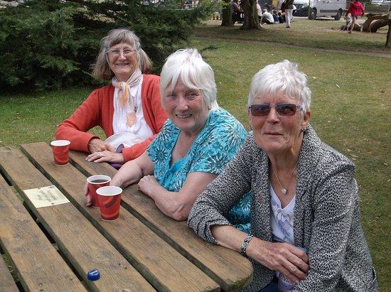 Thrigby Hall Wildlife Gardens: Having a drink