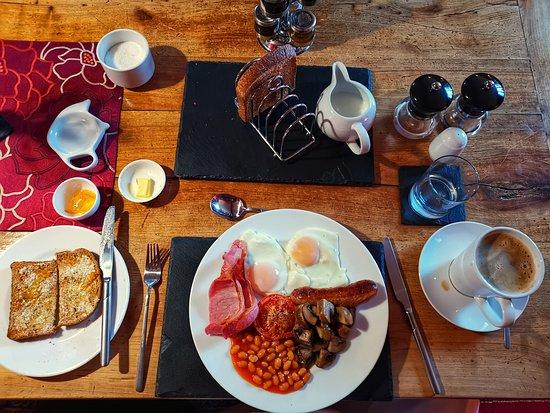 Old Ivy House Bed & Breakfast: Breakfast