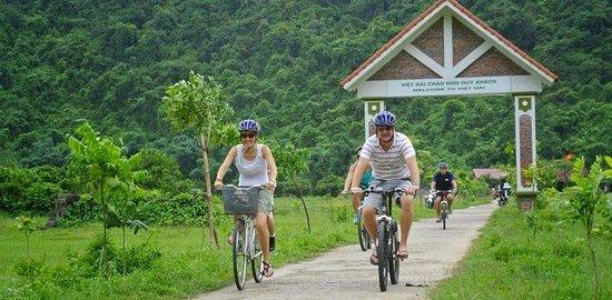 Cat Ba Trip: biking in Viet Hai village