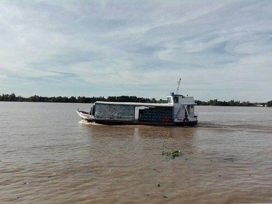 Barco con mercadería