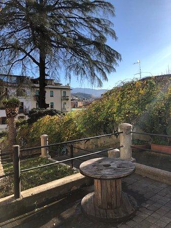 Angolo di panorama dal locale e dalla gradinata vicina (dicembre 2018)