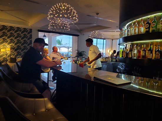 ‪‪Excellence Oyster Bay‬: Martini bar‬