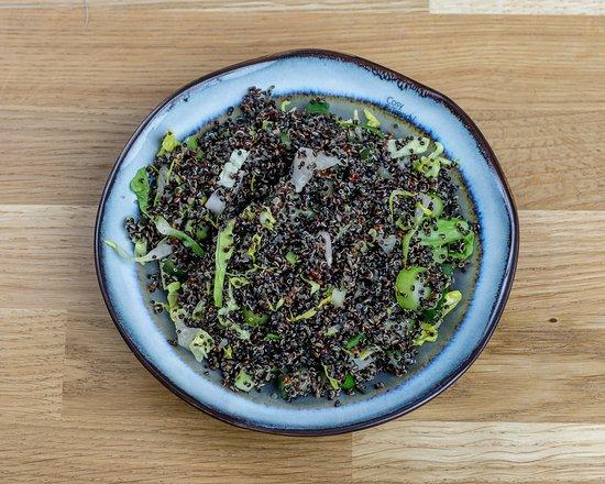 Mikuna Paris: Salade de quinoa negra