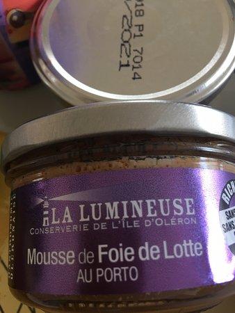 Boutique de la conserverie de l'île d'Oléron dénommée «L'Enlumineuse» Une découverte pour nos papilles... allez y les yeux fermés !!!  Tout est sur mon avis en attente d'être publié