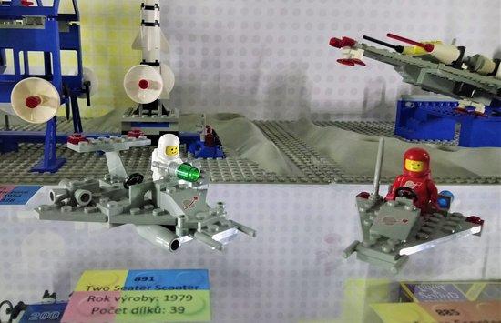 Skip the Line Access to LEGO® Museum in the Centre of Prague: 891 - Űrhajós szett 1979-ből