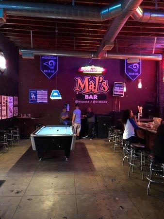 Mal's Bar