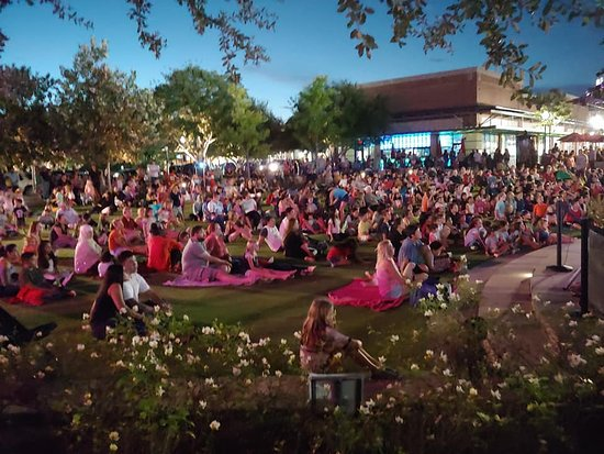 Katy, TX: Over 1,500 come out to enjoy the events at Central Green on any given night.