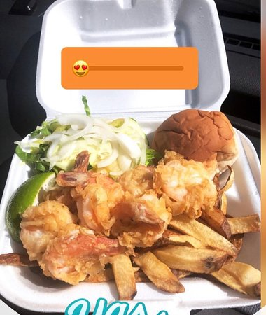 Potters Cay Fish Shacks: Cracked shrimp with fries and salad