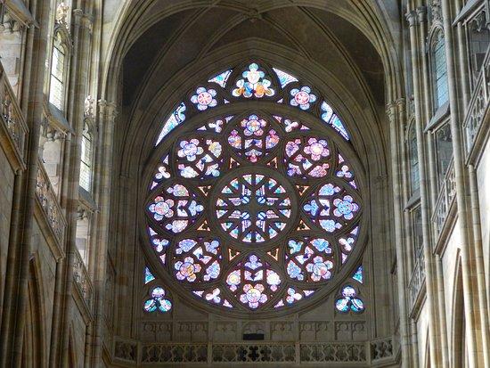 Katedral St. Vitus (Chram svateho Vita): il rosone