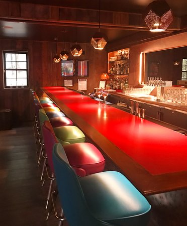 Kintnersville, Pensilvania: The Bar at Cascade - The Restaurant