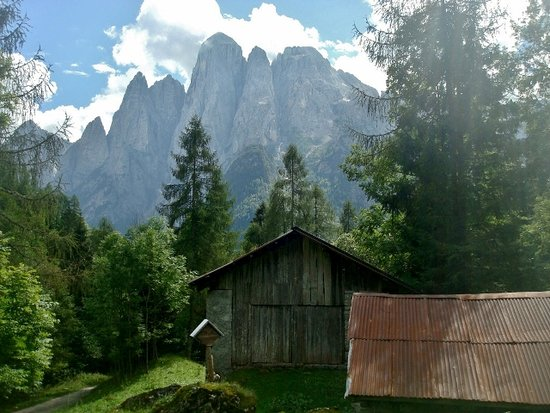 Monte Agner: L'Agner visto dalle baite di Pont
