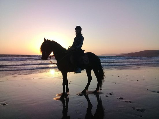 Taghazout, Morocco: Sunset horse ride