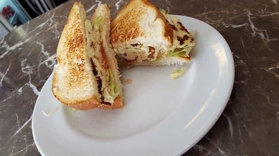 Lanche de Peito de Peru no pão de Forma.