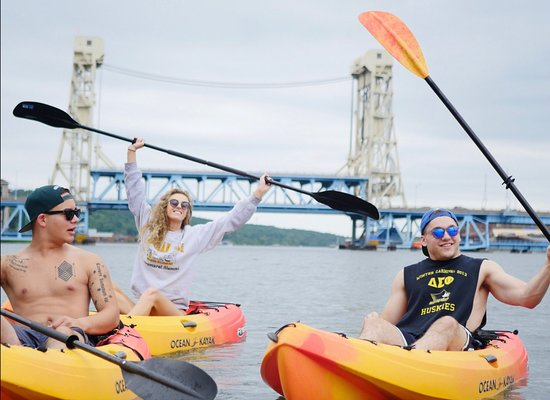 Houghton, MI: Just paddles from Portage Lake Lift Bridge - great photo opportunities