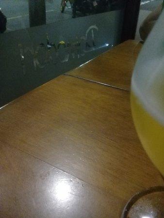 Cerveja apenas long neck e artesanais