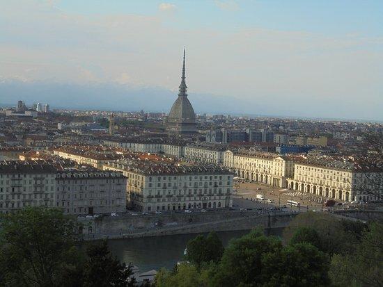 Chiesa di Santa Maria del Monte dei Cappuccini: Vista sobre Turim