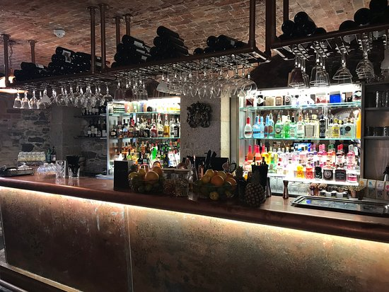 Cellar Bar, Custom House